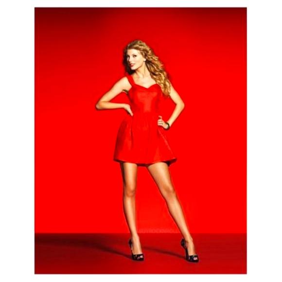 Taylor Swift speak now poster